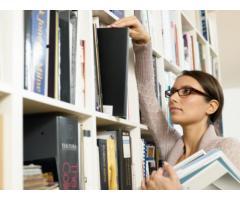 Сотрудник с опытом работы библиотекаря