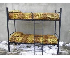 Двухъярусные металлические кровати, трёхъярусные